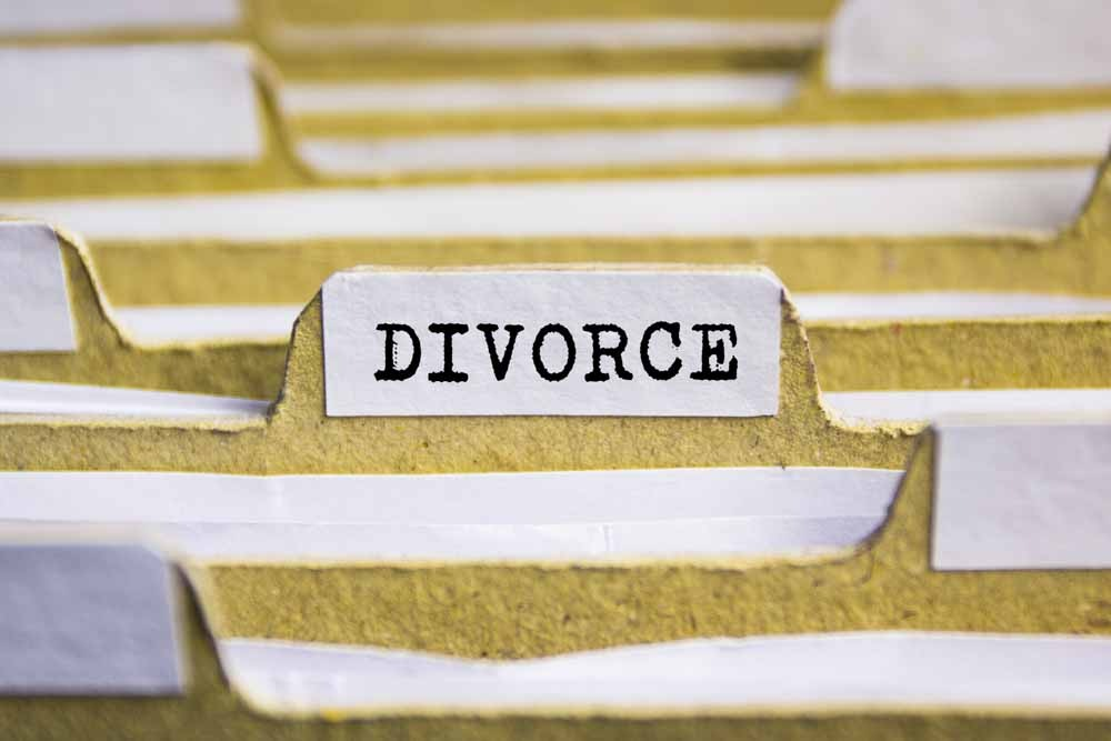 The Law Offices of Jeffrey M. Bloom can help you take a step in the right direction. For help with your impending divorce, call (855) 208-3650 to schedule a consultation.
